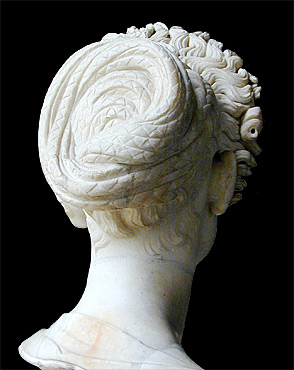 Flavian hairstyle--back