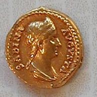 Coin: Sabina: gold aureus, 134 CE.